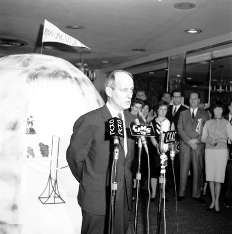 René Lévesque during the opening of an exhibit on Inuit art at the Queen Elizabeth Hotel in Montréal in 1964