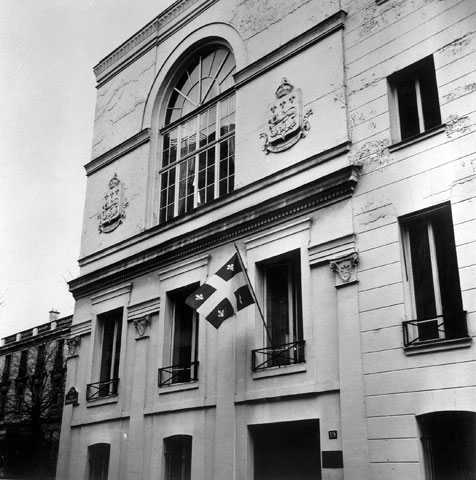 Façade of the Maison du Québec in Paris in 1965