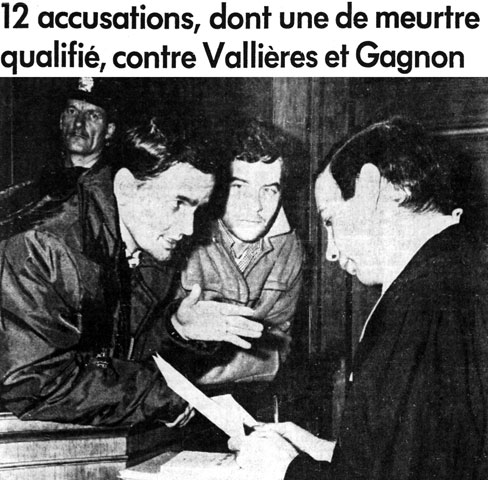 Pierre Vallières et Charles Gagnon having a discussion with their attorney, Me Michel Proulx